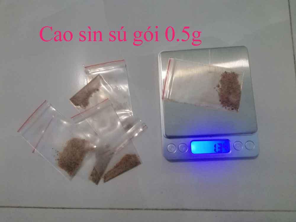Cao sìn sú được đóng gói 0.5g sau khi xoay nhuyễn