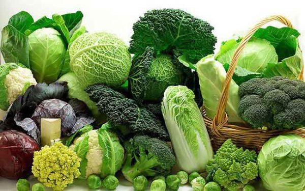 Sử dụng các loại rau lá xanh để tăng cường các dưỡng chất giúp tăng khả năng có thai sớm hơn