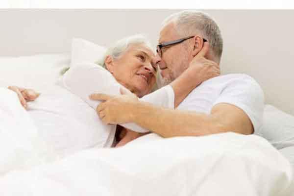 Tuổi tác ảnh hướng đến quan hệ tình dục và sinh sản sẽ suy giảm nếu bạn già đi