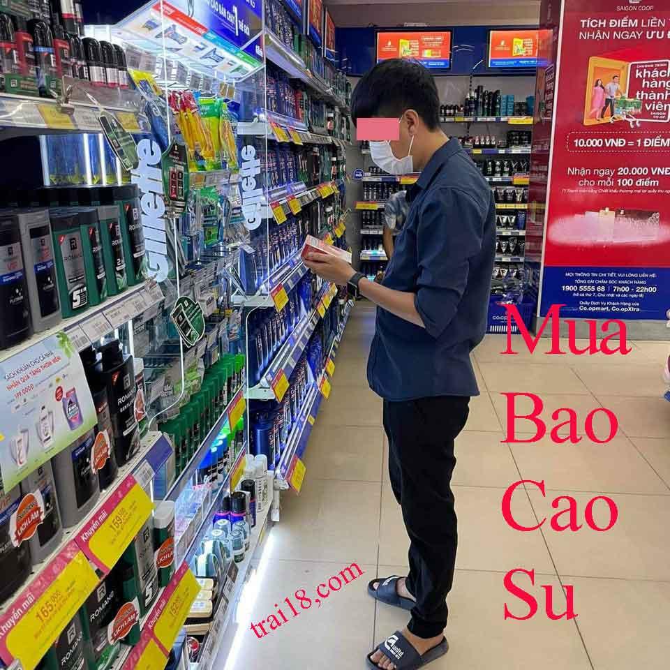 Mua bao cao su ở siêu thị